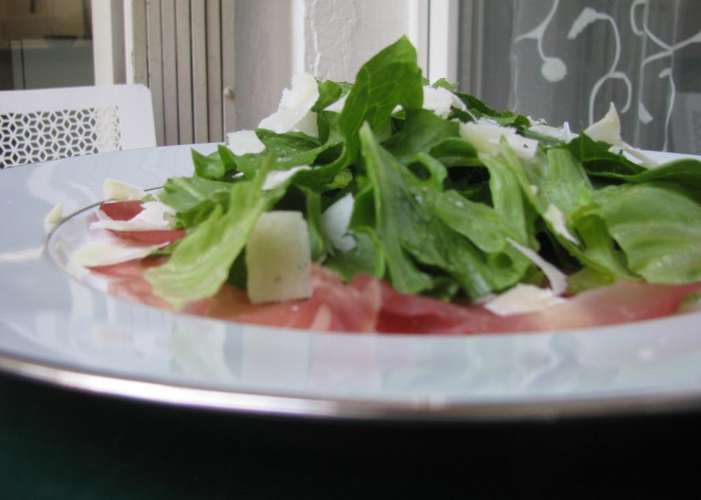 Bresaola Parmesan Eisbergsalat
