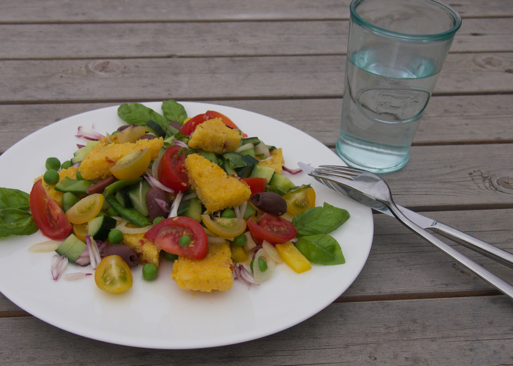 Italienischer Sommersalat Panzanella