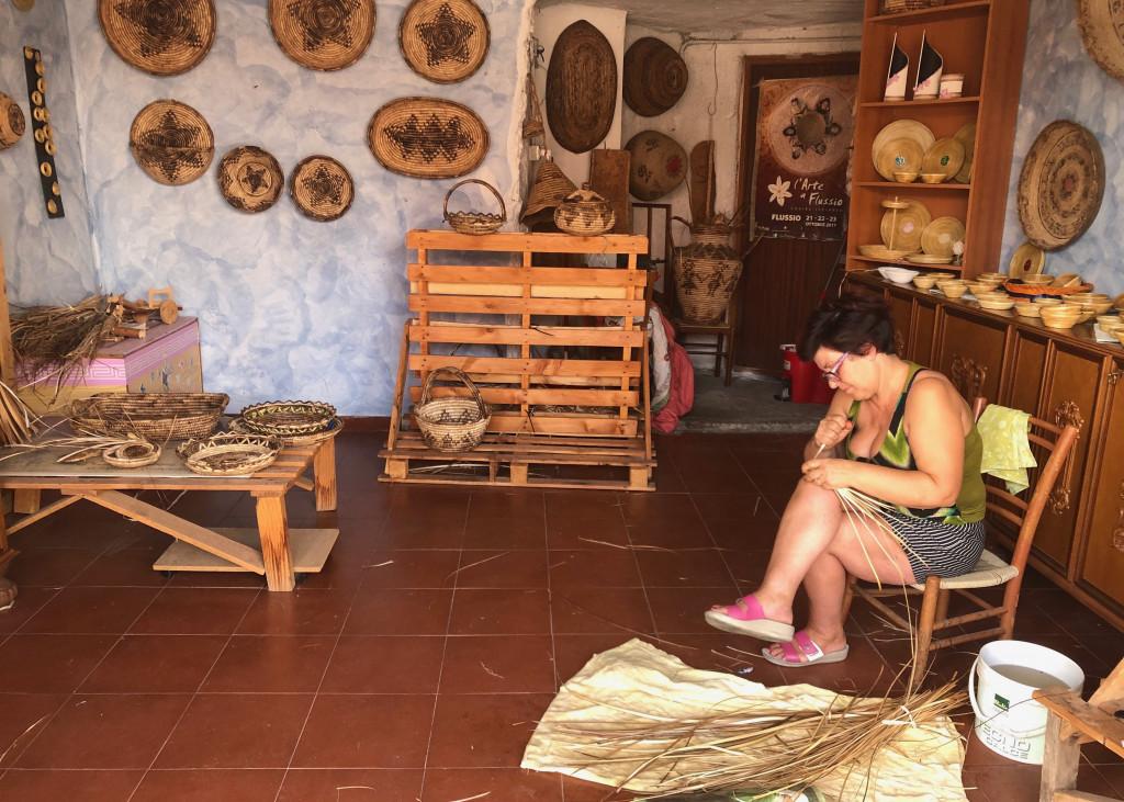 Altes Handwerk: Die Korbflechterinnen von Flussio