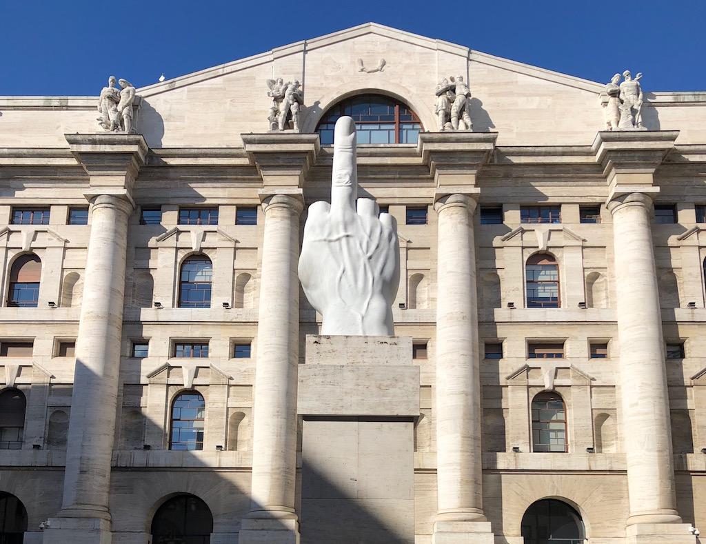 L.O.V.E. – Maurizio Cattelans Statement vor der Mailänder Börse