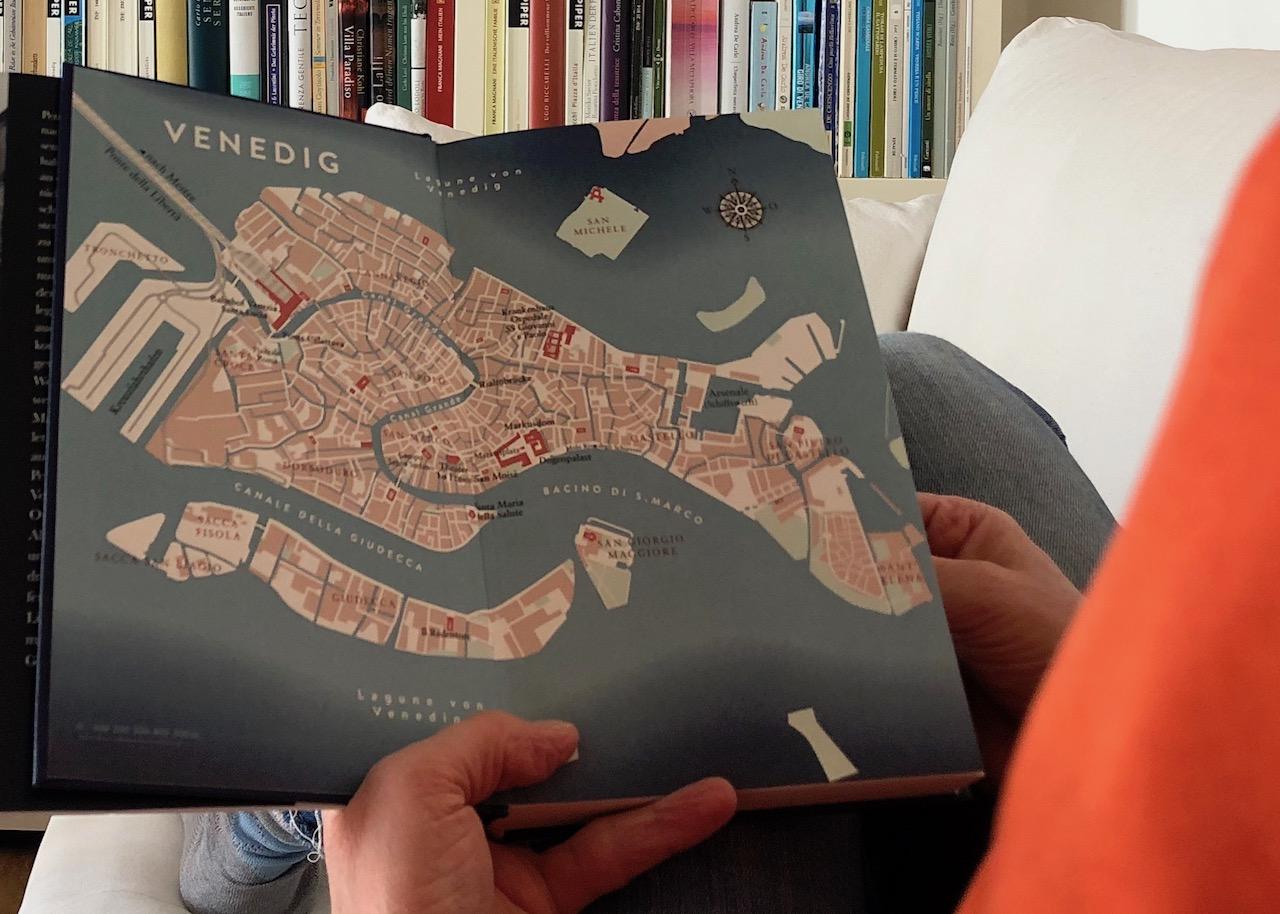 """Blick auf den Vorsatz des Buch """"Als ich einmal in den Canal Grande fiel"""""""