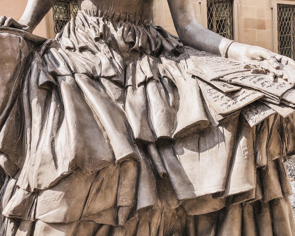 Statue für Cristina Trivulzio Belgioso in Mailands Zentrum
